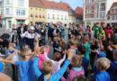 223 Läuferinnen und Läufer beim 21. Senftenberger Citylauf am Start